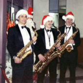 6_Santas_Saxes_Photo